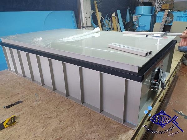 Ёмкость для перевозки рыбы объёмом 3 м3 с двумя боковыми люками
