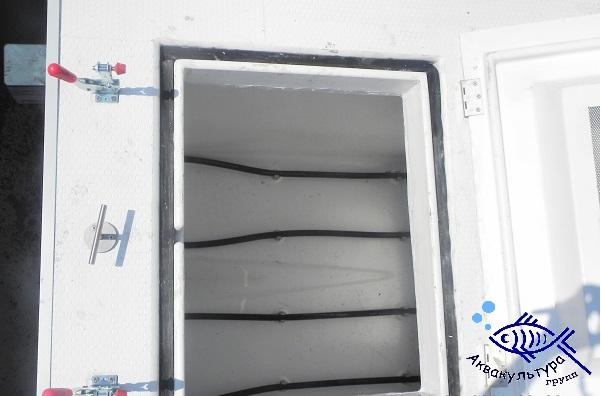 Стеклопластиковая ёмкость для перевозки живой рыбы, Турция